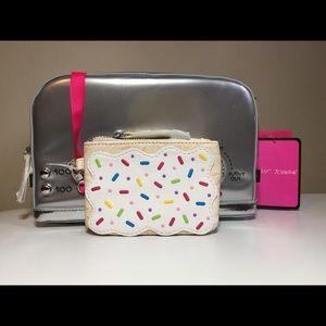 Betsey Johnson Bags - 🦄 Betsey Johnson A TOAST TO YOU
